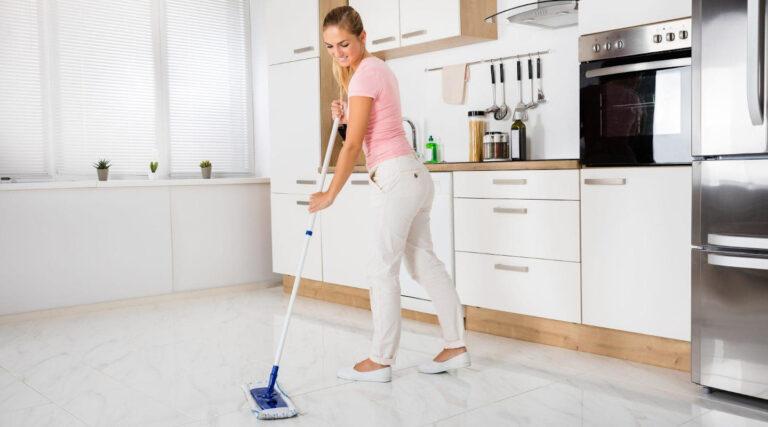 Jak czyścić płytki z gresu porcelanowego